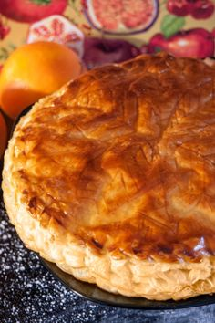 """Recipe for the French King cake or """"Galette des Rois"""". Food Pictures, Pugs, Foodies, French, Traditional, Desserts, Recipes, King, Cakes"""