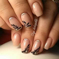 Beautiful nail art designs that are just too cute to resist. It's time to try out something new with your nail art. Sassy Nails, Love Nails, Trendy Nails, Stylish Nails, Square Nail Designs, Gel Nail Designs, Nail Art Arabesque, Nagellack Design, Strong Nails
