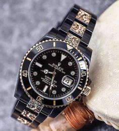 Rolex Submariner Gold, Rolex Datejust Ii, Gold Rolex, Black Rolex, Tritium Watches, Breitling Watches, Vintage Rolex, Expensive Watches, Rolex Daytona