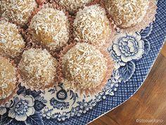 Coconut balls via Sitnoseckano