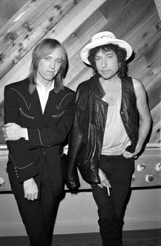 Tom Petty and Bob Dylan at Westwood One Studios in New York City to promote their upcoming True Confessions tour in the summer of Tom looks so awkward 😍😂 Tom Petty, Bob Dylan, Rock Roll, Music Is Life, My Music, Music Lyrics, Music Mix, Music Stuff, Alter Ego