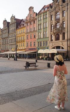 Poland Travel Inspiration - 36 Hours in Wroclaw, Poland. Wroclaw is so photogenic and is a photographers dream destination; the colourful architecture, the dwarfs and the history. There are so many things to do, see and eat in Wroclaw...pop on over to the