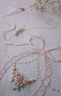 Wonderful Ribbon Embroidery Flowers by Hand Ideas. Enchanting Ribbon Embroidery Flowers by Hand Ideas. Silk Ribbon Embroidery, Hand Embroidery Patterns, Vintage Embroidery, Embroidery Applique, Cross Stitch Embroidery, Machine Embroidery, Brazilian Embroidery, Heirloom Sewing, Sewing Crafts