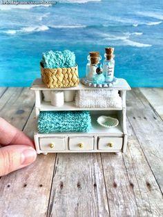 Melody Jane Miniatura para Casa de Mu/ñecas Accesorio de Pub 2 Verde Botellas 258