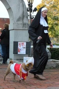 priest dog costume with nun lol & A Dog Wearing A Nunu0027s Costume | Nun Costumes | Pinterest | Nun ...