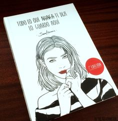 Hay libros por los que sientes amor a primera vista; solo te hace falta hojearlos un poco para saber que te van a gustar y esto es precisam...