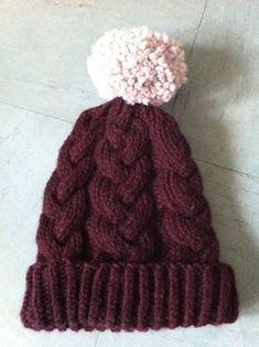 Tuto // Le bonnet à torsades ~ instructions in English are included Wooly Hats, Knitted Hats, Crochet Hats, Scarf Hat, Knit Beanie, Crochet Wool, Sewing Online, Poncho, Knitting Accessories