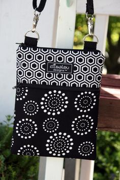 Kindle / Fire / Nook / iPad Mini / eReader / Padded Sling Bag / Cover / Case- Hive & Spiral Dot - Ipad Mini - Ideas of Ipad Mini - Kindle / Fire / Nook / iPad Mini / eReader / Padded Sling Bag / Cover / Case- Hive & Spiral Dot Sewing Hacks, Sewing Crafts, Sewing Tutorials, Sewing Projects, Purse Patterns, Sewing Patterns, Ipad Mini, Pochette Portable, Simple Bags
