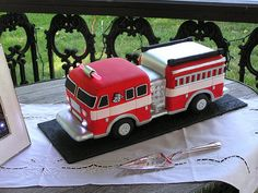 #firetruck #cake WOW!!!  This is GREAT!