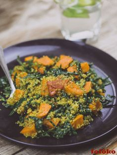 Recipe | how to make Kale, Quinoa & Roasted Sweet Potato Salad with only 7 ingredients | The perfect side dish or even a quick snack for vegan and vegetarian meal lovers alike.