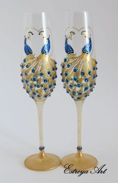 Peacock wedding, hand-painted wedding glasses, crystal champagne flutes with peacock design, unique wedding and anniversary gift, set of 2 Peacock Wedding Centerpieces, Bottle Centerpieces, Peacock Decor, Peacock Art, Peacock Dress, Peacock Design, Peacock Theme, Hand Painted Wine Glasses, Wedding Glasses
