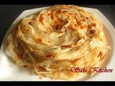 "Kerala Recipes : How To Make Layered Soft Parotta / Kerala Paratta - Kerala Recipes Video Kerala Recipes Video Rating: / 5 This video on this page is automatically generated content related to ""kerala recipes"". Chicken Starter Recipes, Chicken Recipes, Indian Bread Recipes, Kerala Recipes, Rumali Roti, Chapati, Gozleme, Vegetarian Recipes, Cooking Recipes"