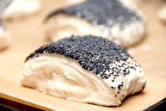 Langtidshævede rundstykker (skal ikke æltes) via No Rise Bread, Danish Food, Danishes, Lemon Bars, Bread Rolls, Dough Recipe, Cakes And More, Bread Baking, Food Inspiration