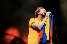 Eddie Vedder in Bogotá, holding a Colombian flag....does it GET any better?