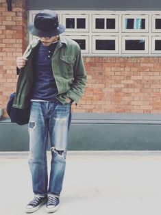 Casual Wednesday, Really enjoy this style Older Mens Fashion, Military Fashion, Men's Fashion, Sneakers Fashion Outfits, Japanese Street Fashion, Denim Outfit, Vintage Jeans, Casual Street Style, Menswear