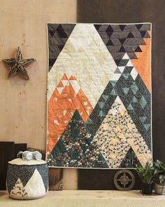 Camping Quilt Kit Mountains Quilt Kit Campsite by Art Quilt Baby, Art Gallery Fabrics, Small Quilts, Mini Quilts, Owl Quilts, Quilt Modernen, Quilt Patterns Free, Modern Quilt Patterns, Modern Quilting Designs