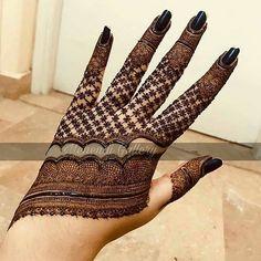 Trendy and stunning 140 finger mehndi designs for 2020 brides! Trendy and stunning 140 finger mehndi designs for 2020 brides!,mehendi Trendy and stunning 140 finger mehndi designs for 2020 brides! Pakistani Mehndi Designs, Dulhan Mehndi Designs, Latest Bridal Mehndi Designs, Stylish Mehndi Designs, Mehndi Designs For Girls, Mehndi Design Images, Wedding Mehndi Designs, Beautiful Henna Designs, Latest Mehndi Designs