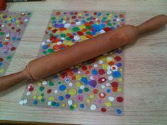 Fabriquer des marques-pages avec de la pâte à modeler et une feuille à plastifier