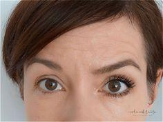 Eine sanfte Kontur am unteren Wimpernkranz vergrößert Augen und mildert Schlupflider optisch etwas.