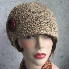 Side Wrap Womens Crochet Hat Pattern With Button von kalliedesigns