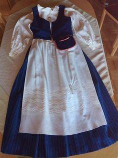 Kiteen kansallispuku Costumes, Skirts, Crafts, Fashion, History, Moda, Fancy Dress, Costume, Skirt