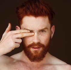ginger men & lifestyle : the place for ginger men lovers. Hot Ginger Men, Ginger Beard, Ginger Hair, Ginger Guys, Red Hair Men, Redhead Men, Beard Love, Perfect Beard, Awesome Beards