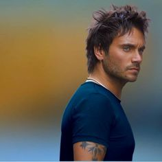 Nek.  A beautiful Italian man. And an amazing singer.