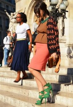 Great article for my mommy to be friends, no, not me! Lol. -FASHION - Pregnancy's Style Rebirth - Elle