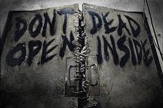 """""""The Walking Dead"""" : rencontre avec le dessinateur Charlie Adlard - News Série Interviews - AlloCiné"""