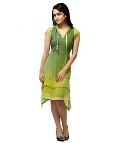 Green and yellow tunic with a flowly pattern