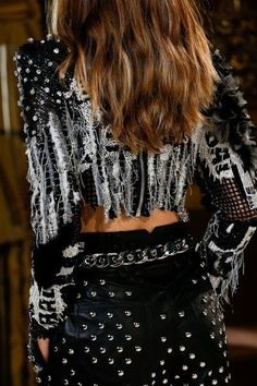 See detail photos for Balmain Spring 2018 Ready-to-Wear collection.
