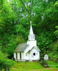 Little country church inspiration for building the ceremony spot