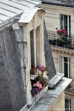 Une fenêtre à Paris par Magdalena Martin. Paris window by Magdalena Martin Little Paris, I Love Paris, Paris Paris, Belle Villa, Paris Apartments, Windows, Paris Travel, Belle Photo, Places To Go