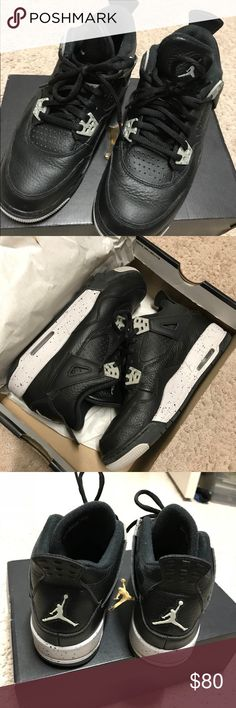 Air Jordan 4 Retro BG oreo bottom color  wear just 2 times  kid size 5.5 same as women bw 6.5 and 7 Nike Shoes Athletic Shoes