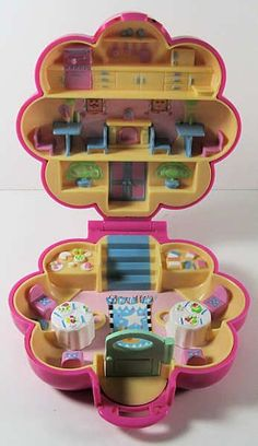 polly pocket - French restaurant