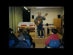 1998. Alfredo Romano canta le filastrocche di Gianni Rodari in Biblioteca - YouTube