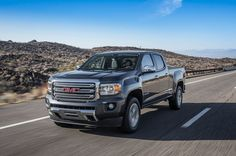gmc-canyon-v-6-front-three-quarter-in-motion-02_2015