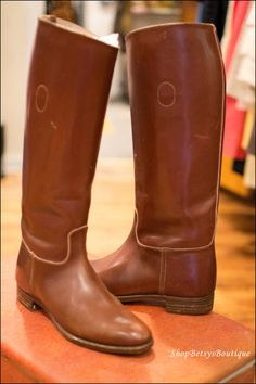 These are exactly what the imaginary boots I have been on a hunt for look like!