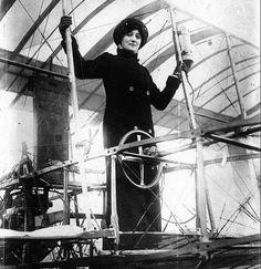 Raymonde de Laroche - First woman to receive a pilot's license