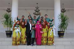 10 Anak Gubernur Sumbar Semuanya Hafal Al-Qur'an http://news.beritaislamterbaru.org/2017/06/10-anak-gubernur-sumbar-semuanya-hafal.html