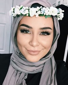 who said you can't rock a flower crown with hijab Details and tutorial for this entire look is on my channel (search 'Habiba Da Silva') Flower crown: @rtwoman Lashes: @demurelashes use code 'habibadasilva' for discount xo #habibadasilva