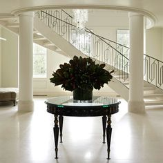 TOP Interior Designer in NY: David Kleinberg Design Associates Architecture Design, Entrance Ways, Grand Entrance, Grand Foyer, Beautiful Stairs, House Beautiful, Flooring For Stairs, South Shore Decorating, Top Interior Designers