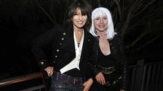 chrissie-hynde-the-pretenders-and-deborah-harry-blondie