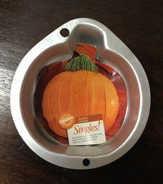 Wilton Singles Pumpkin Pan