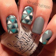 Mosaic Nails!! Love these blue shades! -bellashoot.com