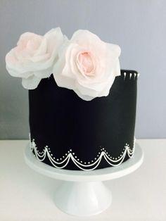Wafer paper roses  - Cake by BeautifySugar