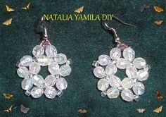 Aros pendientes ARTESANALES en flor cristal de cuentas facetadas y mostacillas . Cristal Handmade beaded earrings