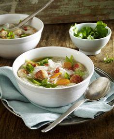 Unser beliebtes Rezept für Thai-Suppe mit Puten-Hackbällchen und mehr als 55.000 weitere kostenlose Rezepte auf LECKER.de.