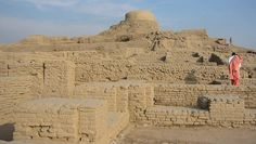 Mohenjo Daro l Pakistan - 2600 BC, one of the first cities // city grids ever built