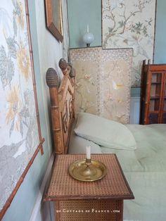 Maison de George Sand, Nohant, chambre verte aux chinoiseries George Sand, Chinoiserie, Greige, Decoration, Berries, Manor Houses, Furniture, Cottage, Dekoration